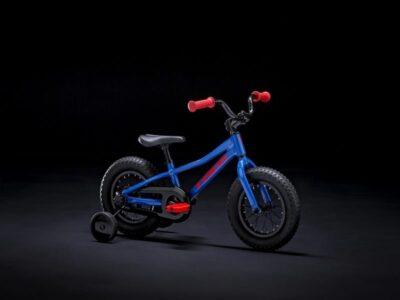 TREK Precaliber 12 Boy สีน้ำเงินแดง